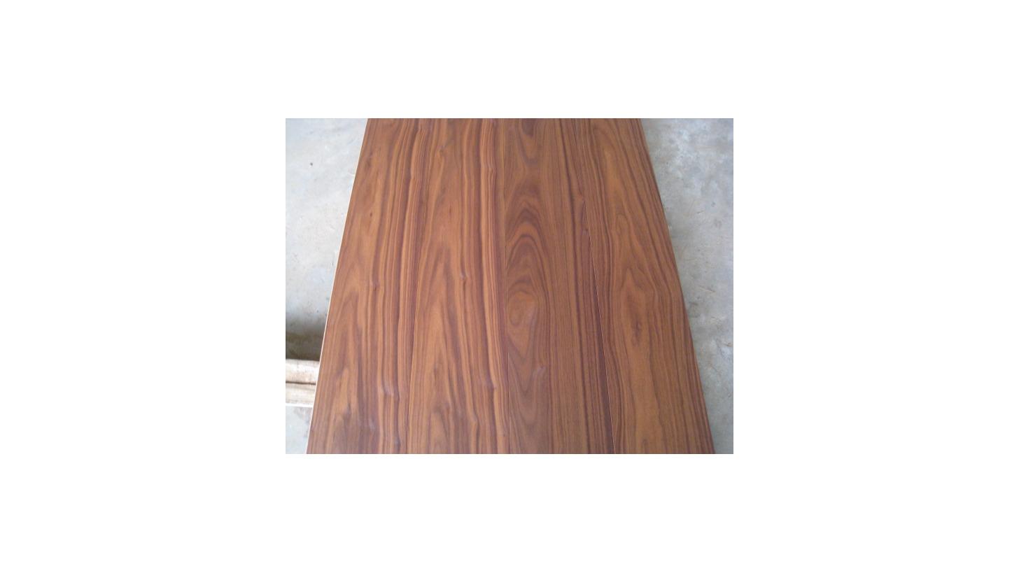 Logo Walnut Natural Oiled