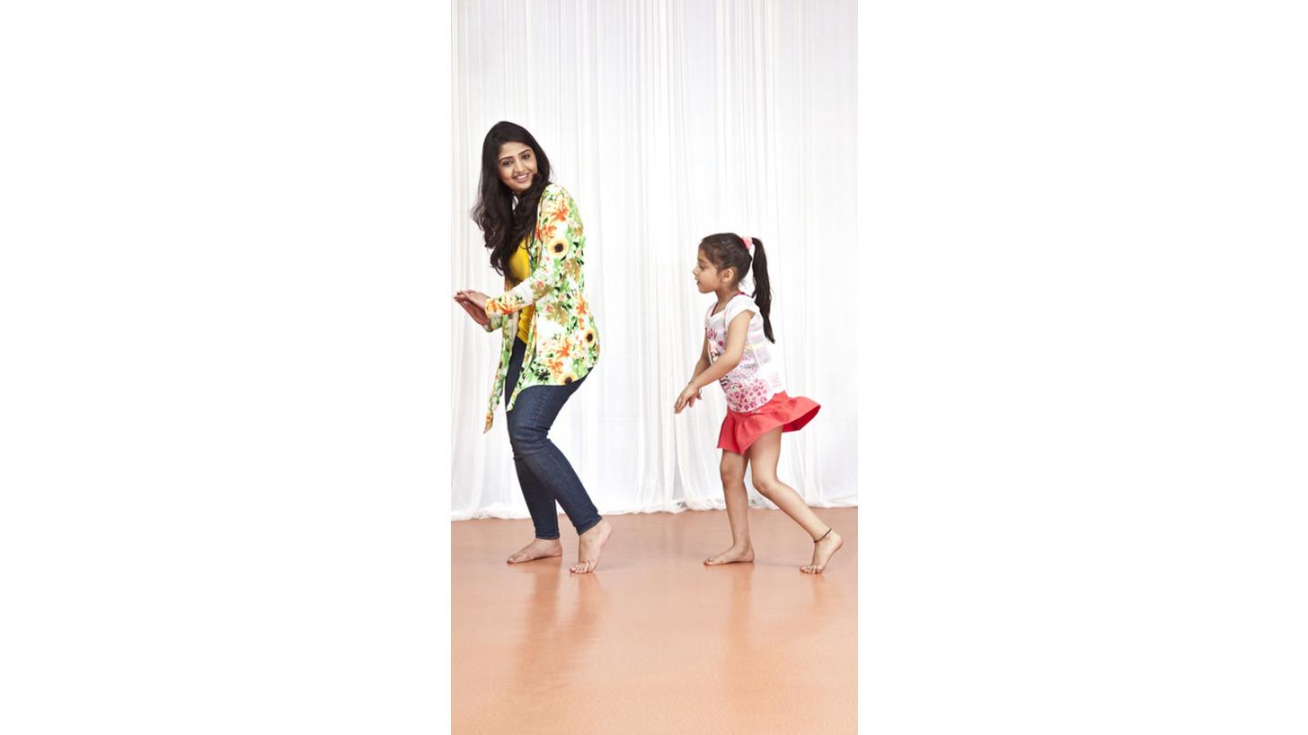 Logo Dance Flooring - Rhythm-Twist