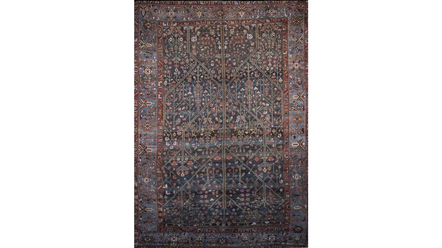 Logo Antique Distressed rug