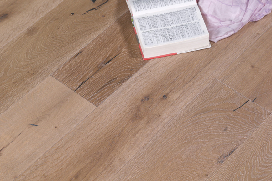 Logo 3-Layer Oak Flooring-Brushed Collections