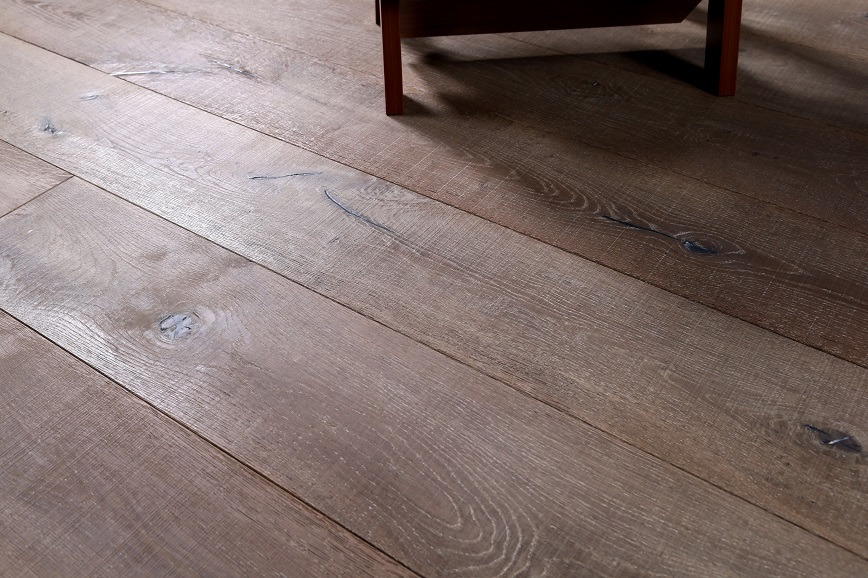 Logo 3-Layer Oak Flooring-SawMark Collections