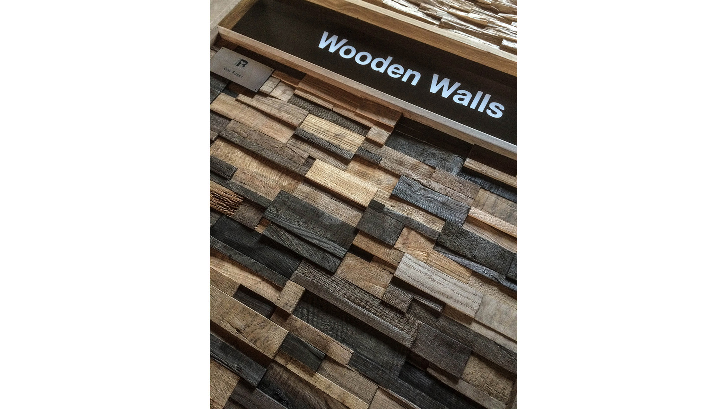 Logo Tara Wooden Wall