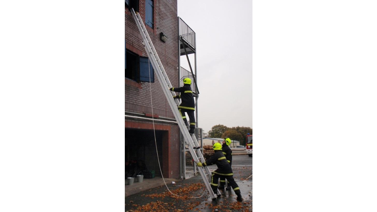 Logo Feuerwehrleitern nach EN 1147