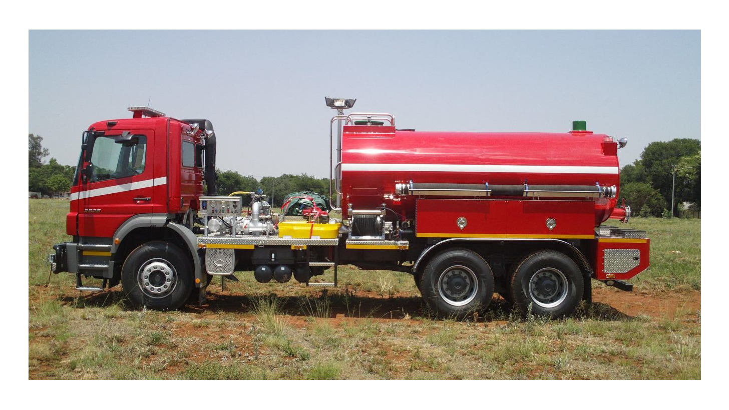 Logo 10 000 Litre Water Tanker with PTO Pump