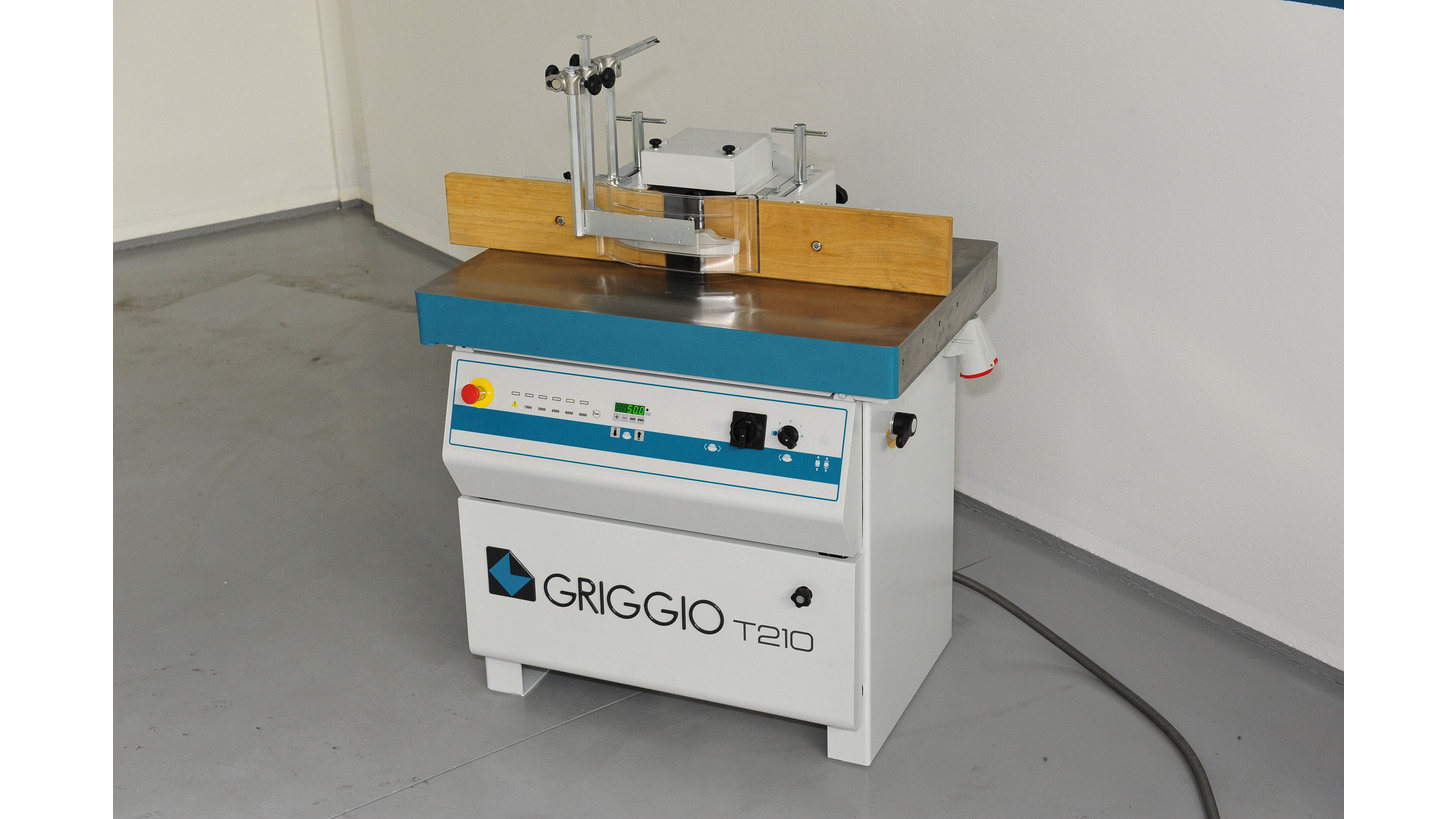Logo T 210 - Spindle moulder