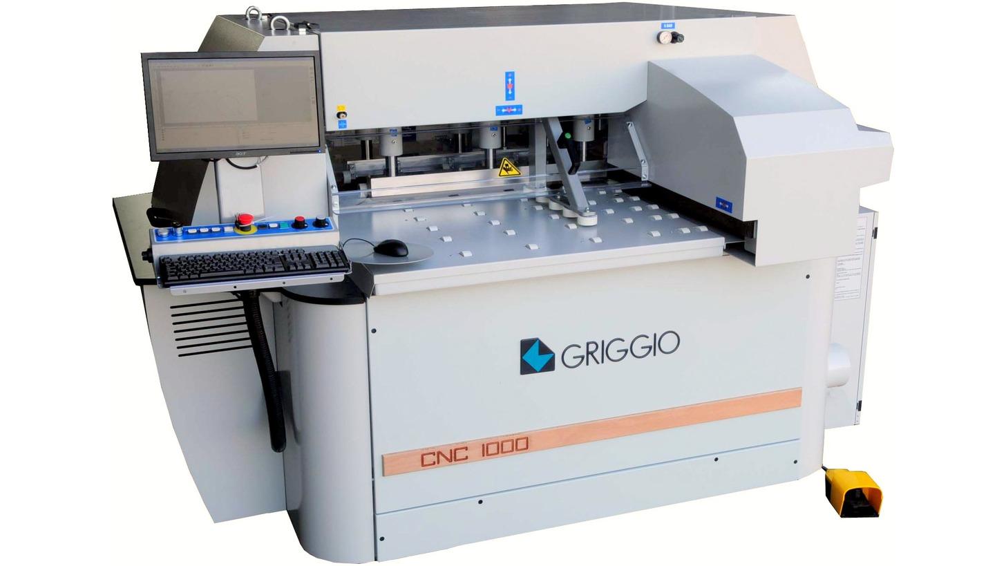 Logo CNC 1000 - CNC-Bohrmaschine Fuer Platten