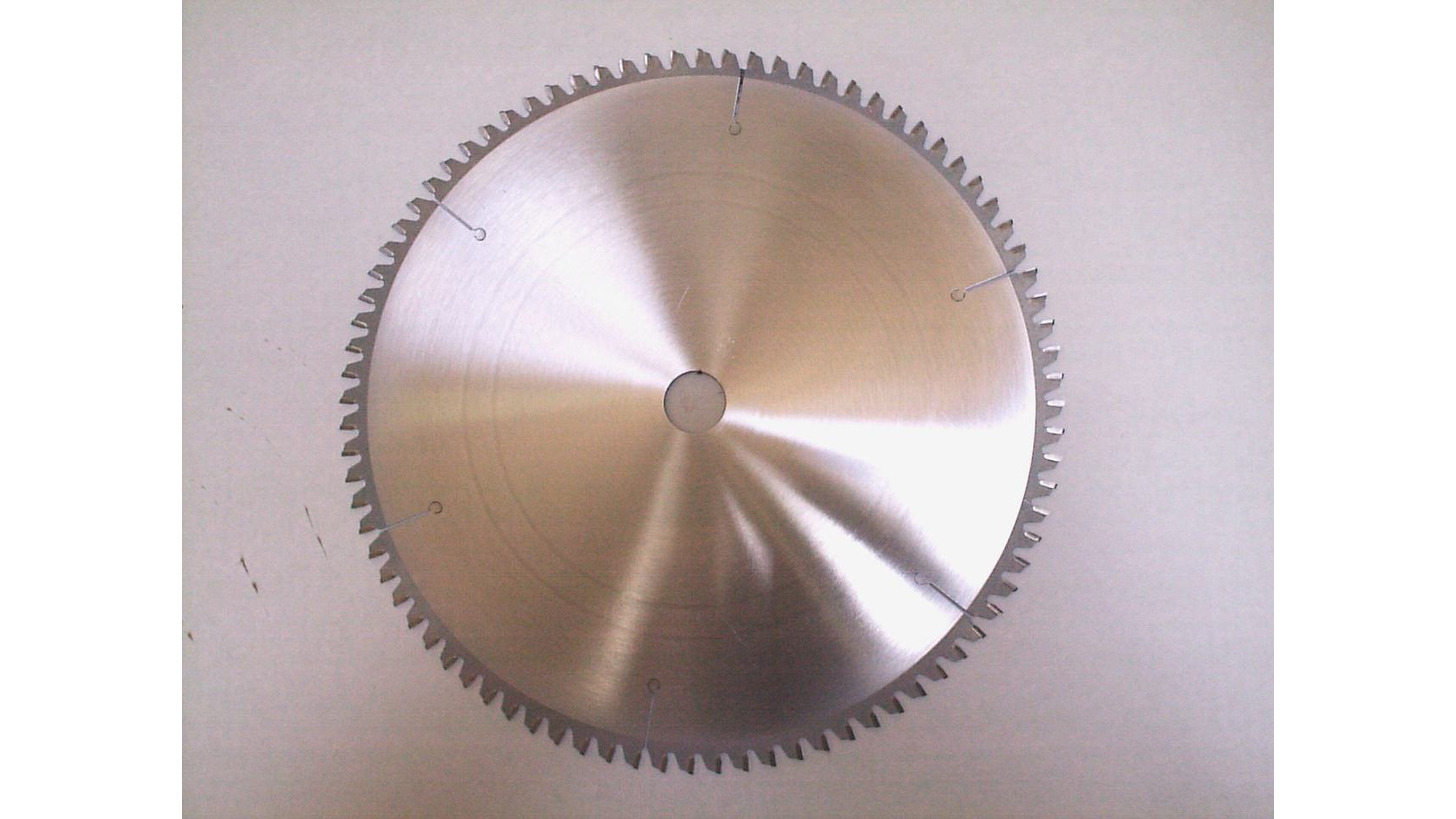 Logo French-manufactured circular saw blade with carbide tips