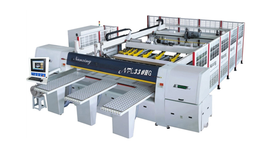Logo Saws, Edge banders, Boring machines, CNC processing centres...