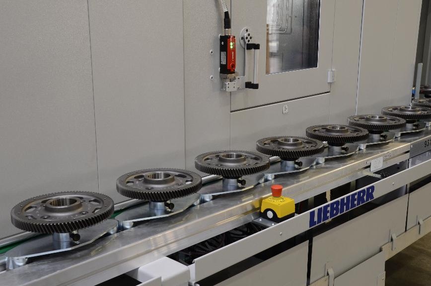 Logo Conveying equipment and systems - Plastic chain conveyors (KKB)