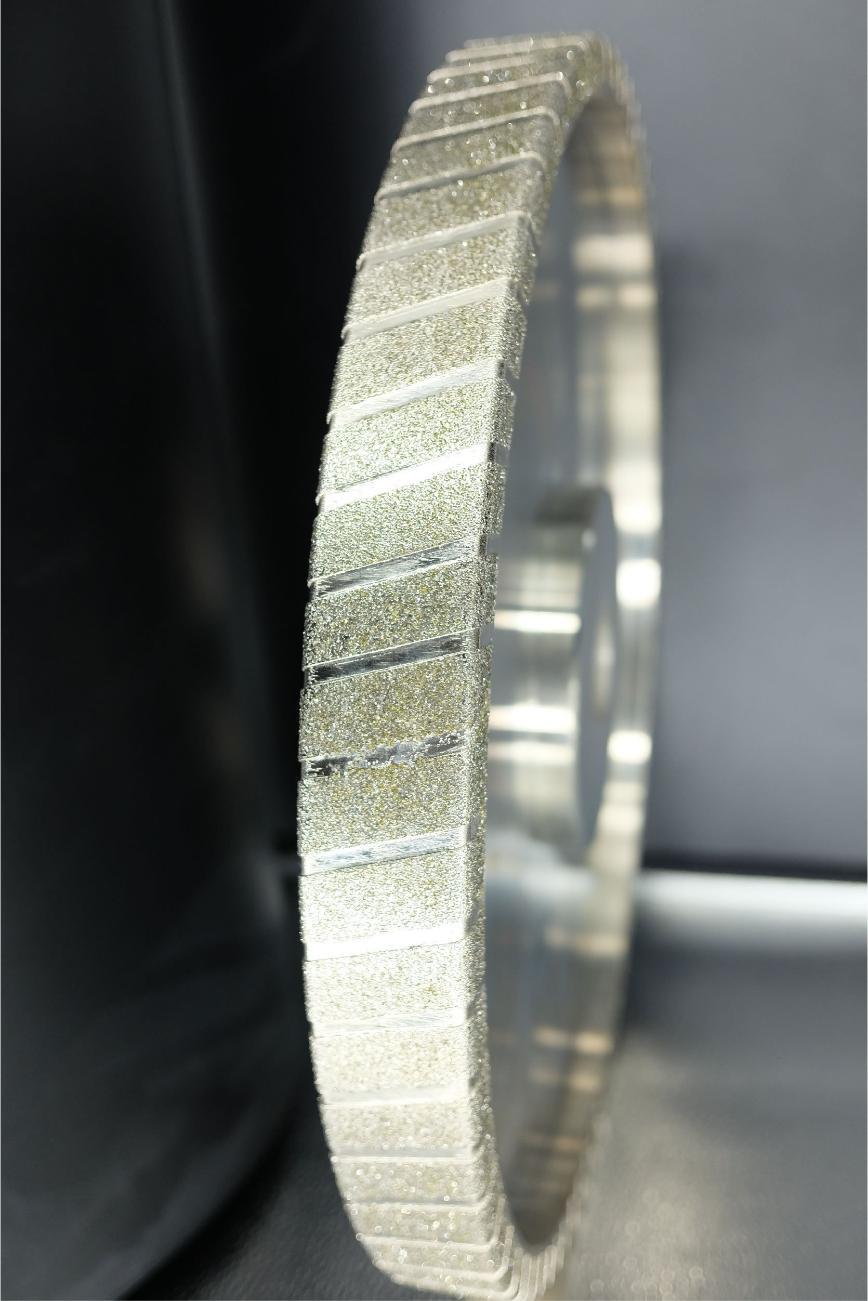 Logo Schleif- und Polierscheibe und -band - Customized Automotive Parts Gri