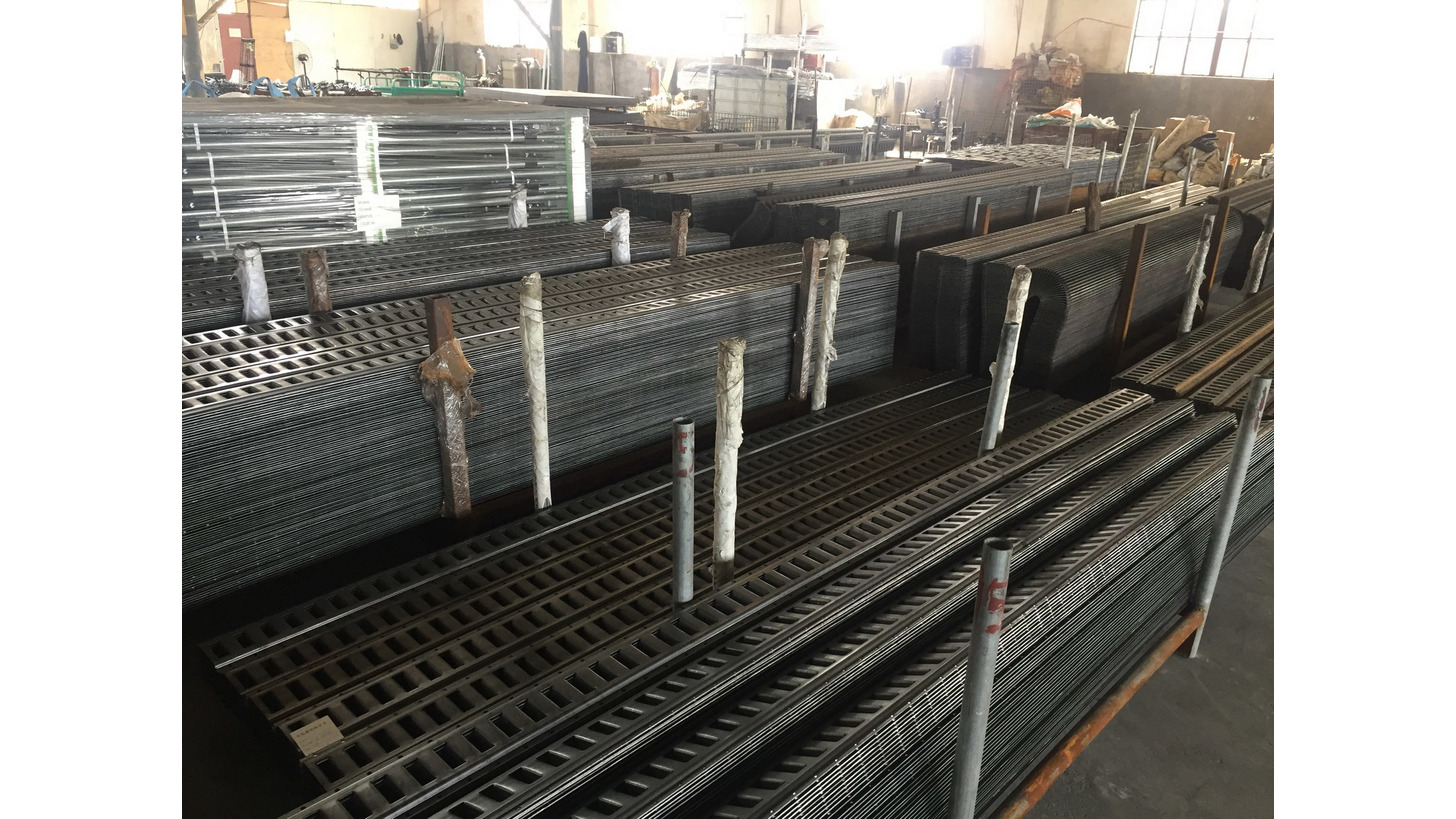 Logo cargo bars, cargo planks
