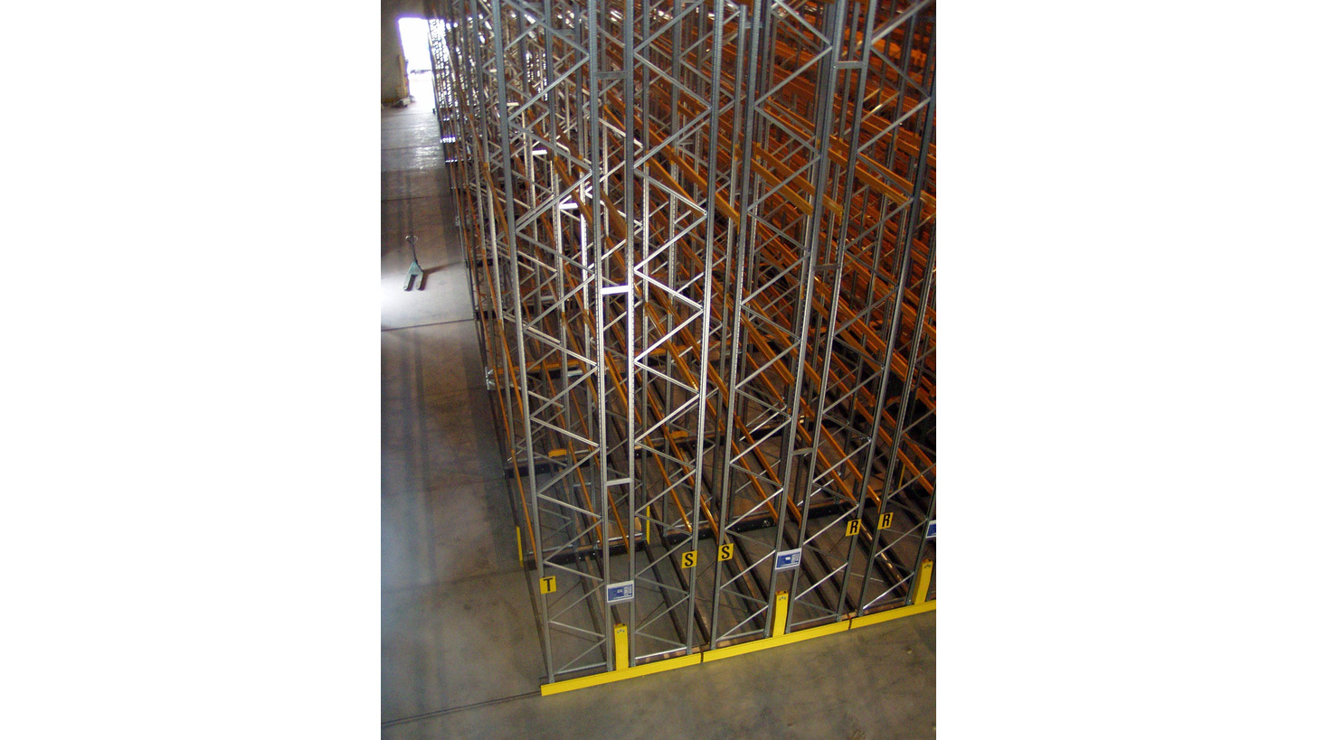 Logo mobile systems for pallet racking
