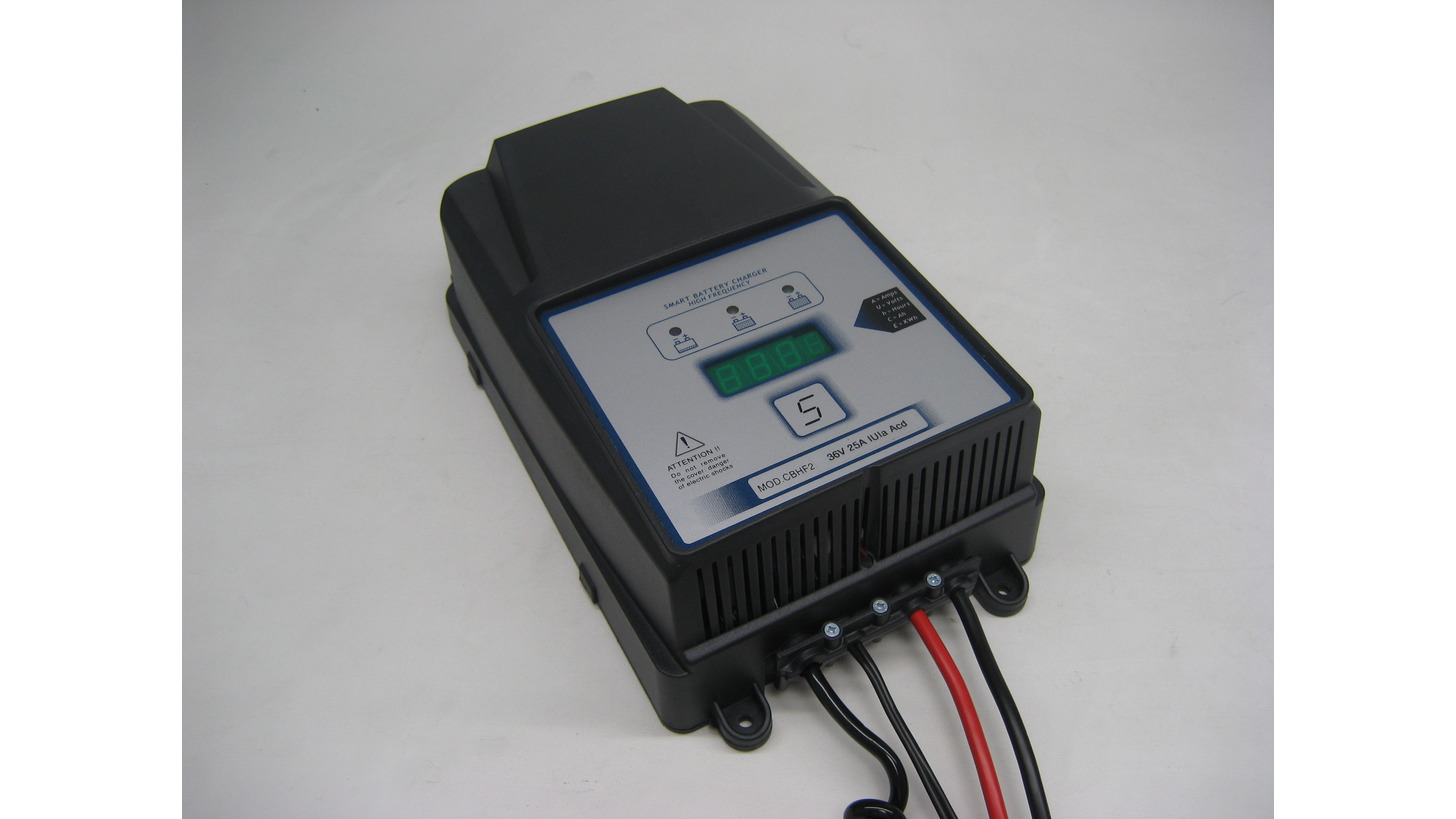 Logo Battery Charger CBHF2