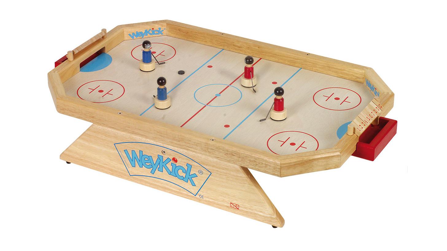 Logo WeyKick on Ice Stadion 8500