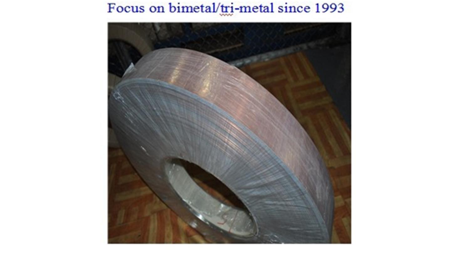 Logo Clad Metal