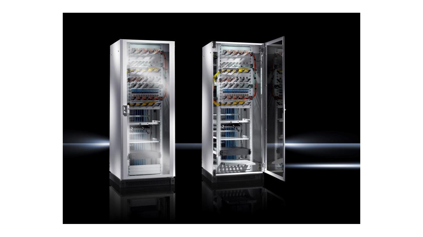 Logo TE 8000 Network and server rack