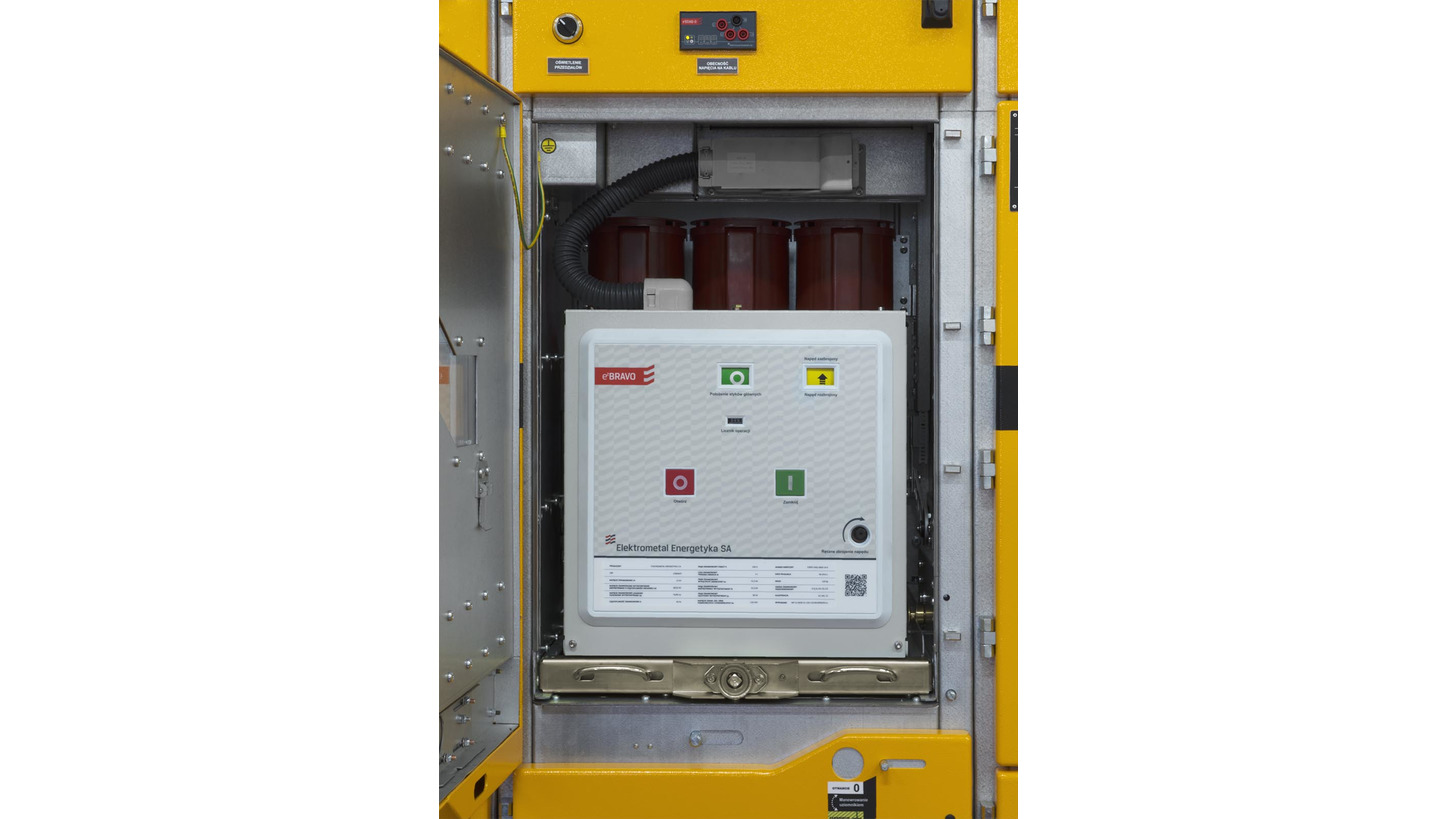Ealpha Medium Voltage Switchgear Product Hannover Messe 2018 Circuit Breaker Logic In Power Plant Ebravo Vacuum