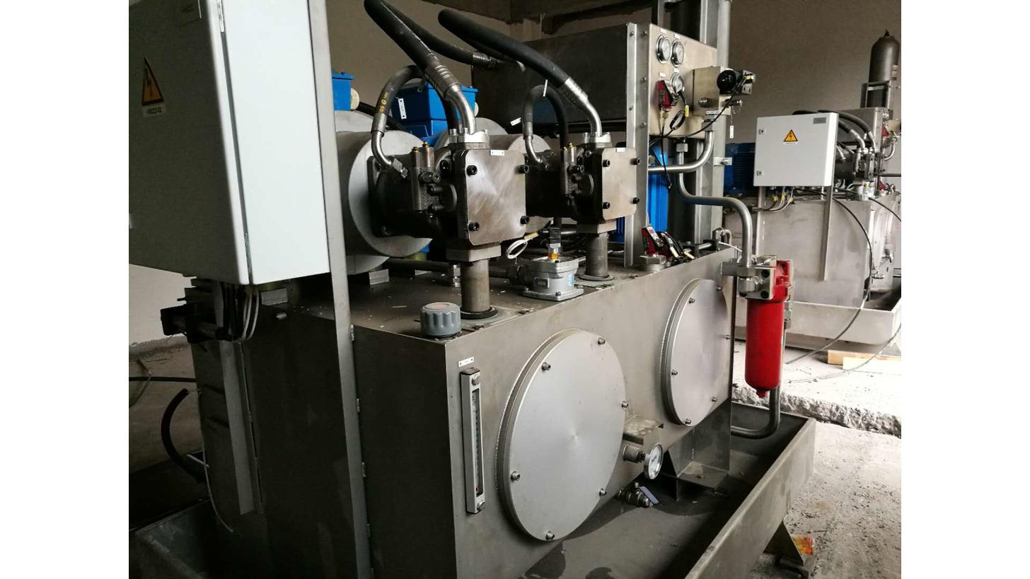 Logo hydraulic pressure stands