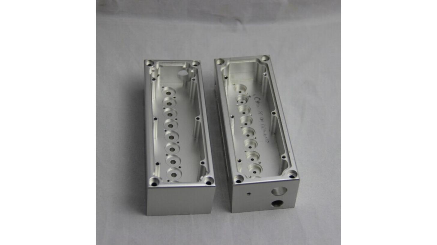 Logo CNC milling aluminium block