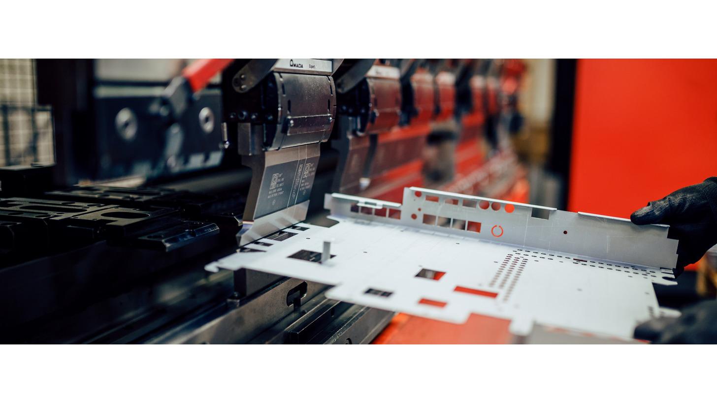 Logo CNC bending