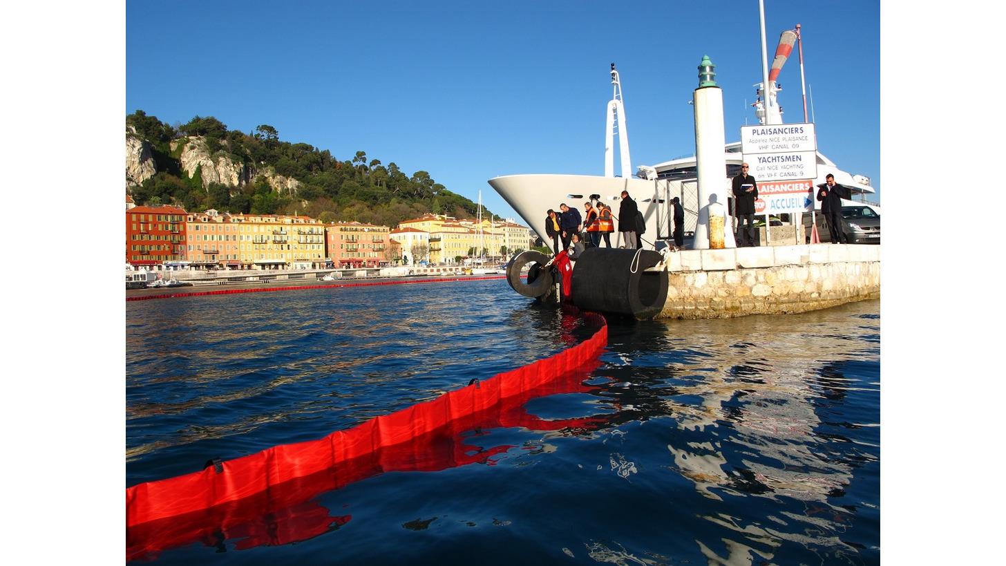 Logo Oil Spill Booms
