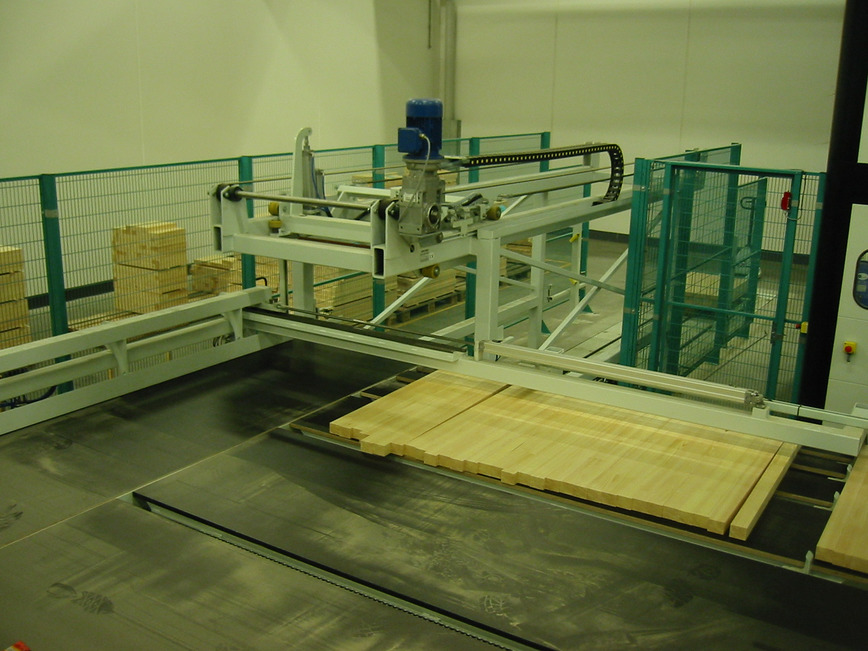 Logo Layer feeding machine